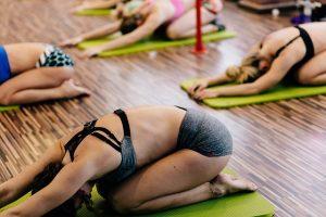 Trouver où vous initier au yoga au Québec
